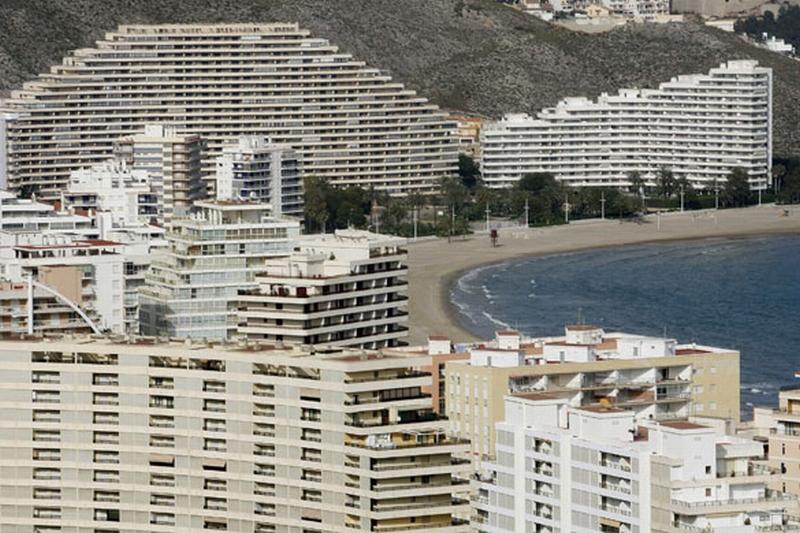 Spanish-coastlines-2009-B-001