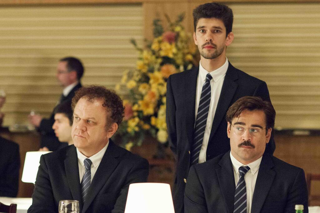 """Κόλιν Φάρελ, Μπεν Γουίσο και Τζον Σ. Ράιλι στα γυρίσματα του """"The Lobster"""""""