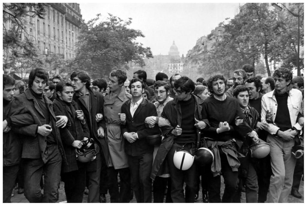 paris1968-henri-cartier-bresson-student-demonstration-paris-1968