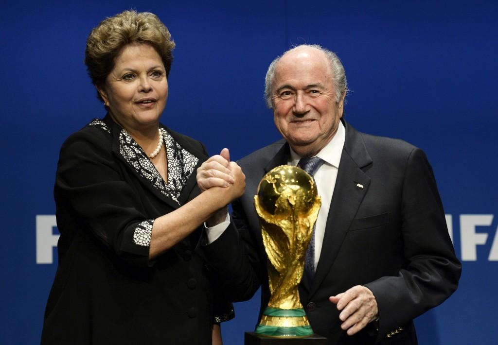 Rousseff-reitera-a-Blatter-que-Brasil-organizará-la-Copa-de-las-Copas