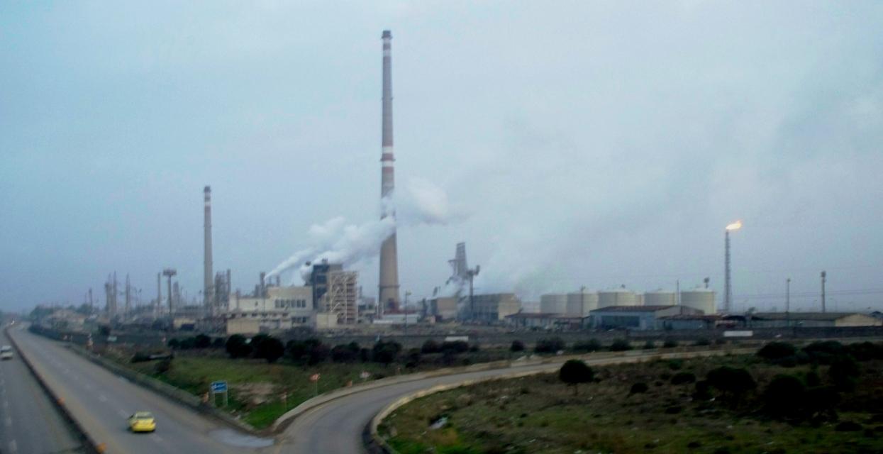 oil_refinery_in_homs-2010