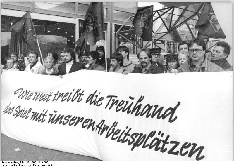 Berln, Stahlwerker protestieren vor Treuhandanstalt
