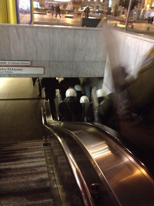 ΜΑΤ στον σταθμό του Μετρό. πηγή: twitter