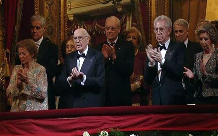 Στιγμιότυπο από την Σκάλα του Μιλάνο. Παρών και ο Μάριο Μόντι, ο τεχνοκράτης πρώην πρωθυπουργός
