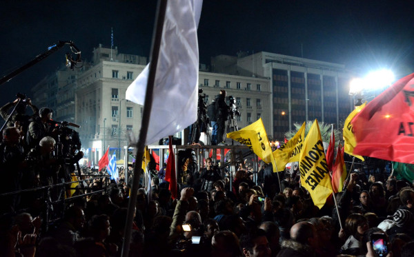 Πλήθος μέσων ενημέρωσης από Ελλάδα και Ευρώπη καλύπτει την ομιλία.