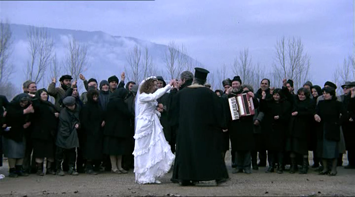 Suspended-Step-of-the-StorkTheo_Angelopoulos-JeanneMoreau4