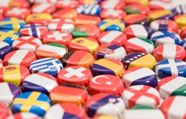 2077813_EU-Europe-Flags-700x450