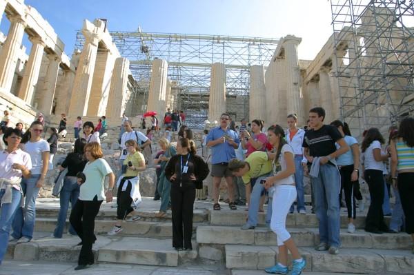 Akropoli-Touristes-570