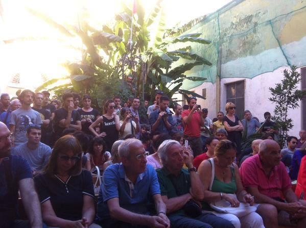 Λαϊκή συνέλευση στη Νάπολι, αλληλέγγυα στην Ελλάδα