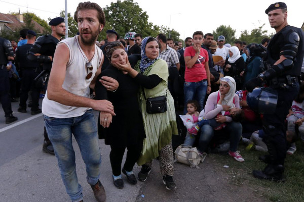 Migrants cross into Croatia via Serbia
