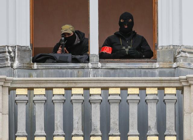 694Snipers sur la Grand Place