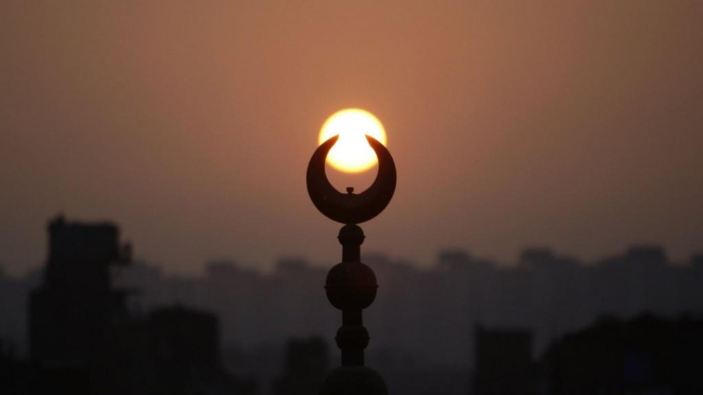 mosque-crescent