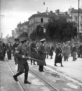 Dekemvriana1944-3