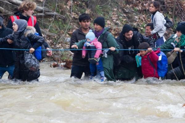προσφυγες-χειμαρροσ