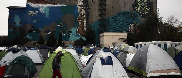 προσφυγες-πειραια2