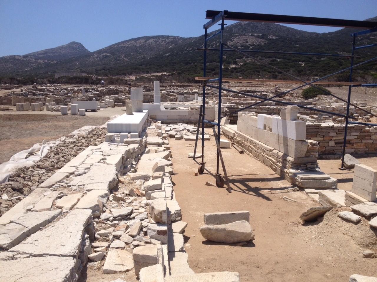 Αναστήλωση του αρχαϊκού ναού του ιερού στο Δεσποτικό