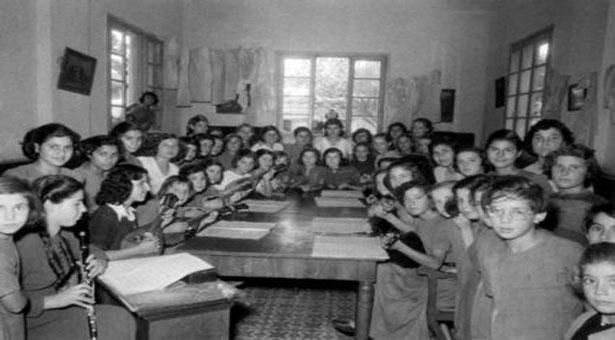 """Από την έκθεση ιστορικών τεκμηρίων «Ορφανοτροφείο Θηλέων """"Μέγας Αλέξανδρος"""" 1926-2000»."""