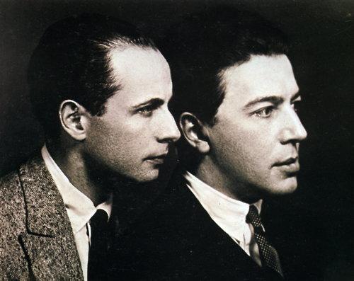 Ο Αραγκόν (αριστερά) με τον Μπρετόν το 1924, στην ακμή του Σουρεαλισμού