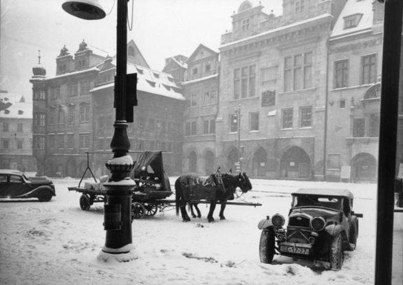 Η πλατεία της παλιάς πόλης πριν τον πόλεμο