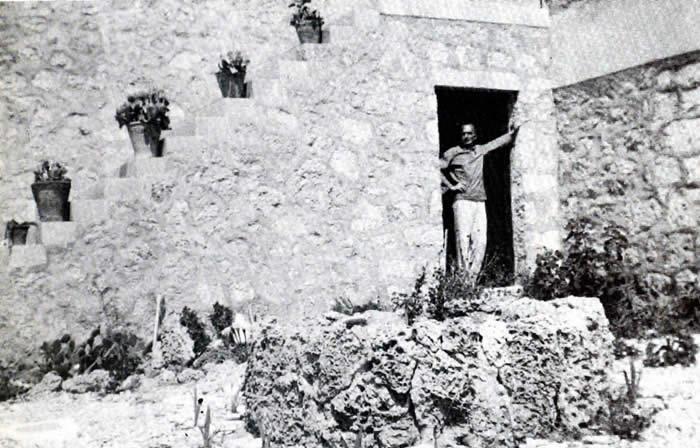 Στο σπίτι του στην Αίγινα