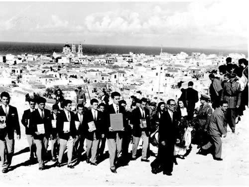 Στιγμιότυπο από την κηδεία του Νίκου Καζαντζάκη στο Ηράκλειο