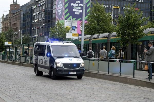finnish-police-patrol-the-streets-after-stabbings-in-turku-in-central-helsinki