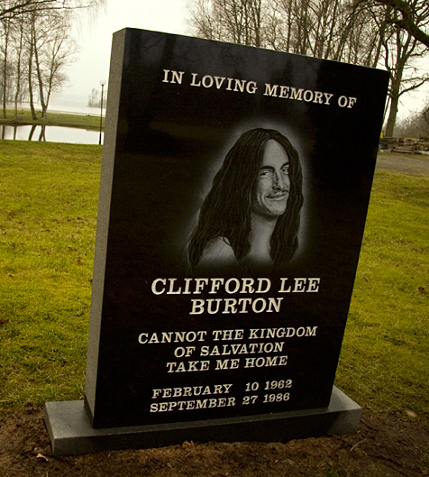Cliff_Burton_Memorial