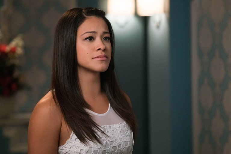 """Jane The Virgin -- """"Chapter Thirty-Nine"""" -- Image Number: JAV217a_0094.jpg -- Pictured: Gina Rodriguez as Jane -- Photo: Michael Desmond/The CW -- © 2016 The CW Network, LLC. All rights reserved."""