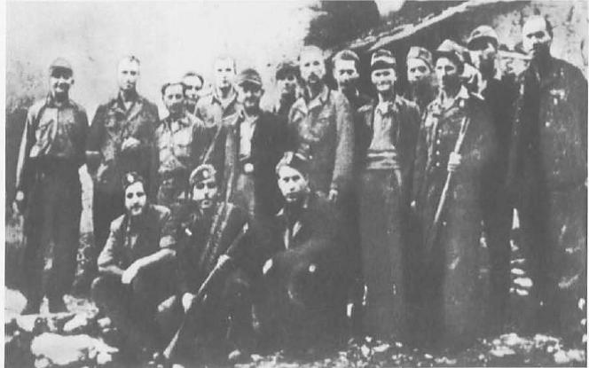 Γερμανοί αντιφασίστες με αντάρτες του ΕΛΑΣ.