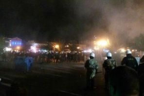 Οργανωμένο πογκρόμ στην Λέσβο: Δολοφονικές επιθέσεις μελών της Χ.Α. σε πρόσφυγες